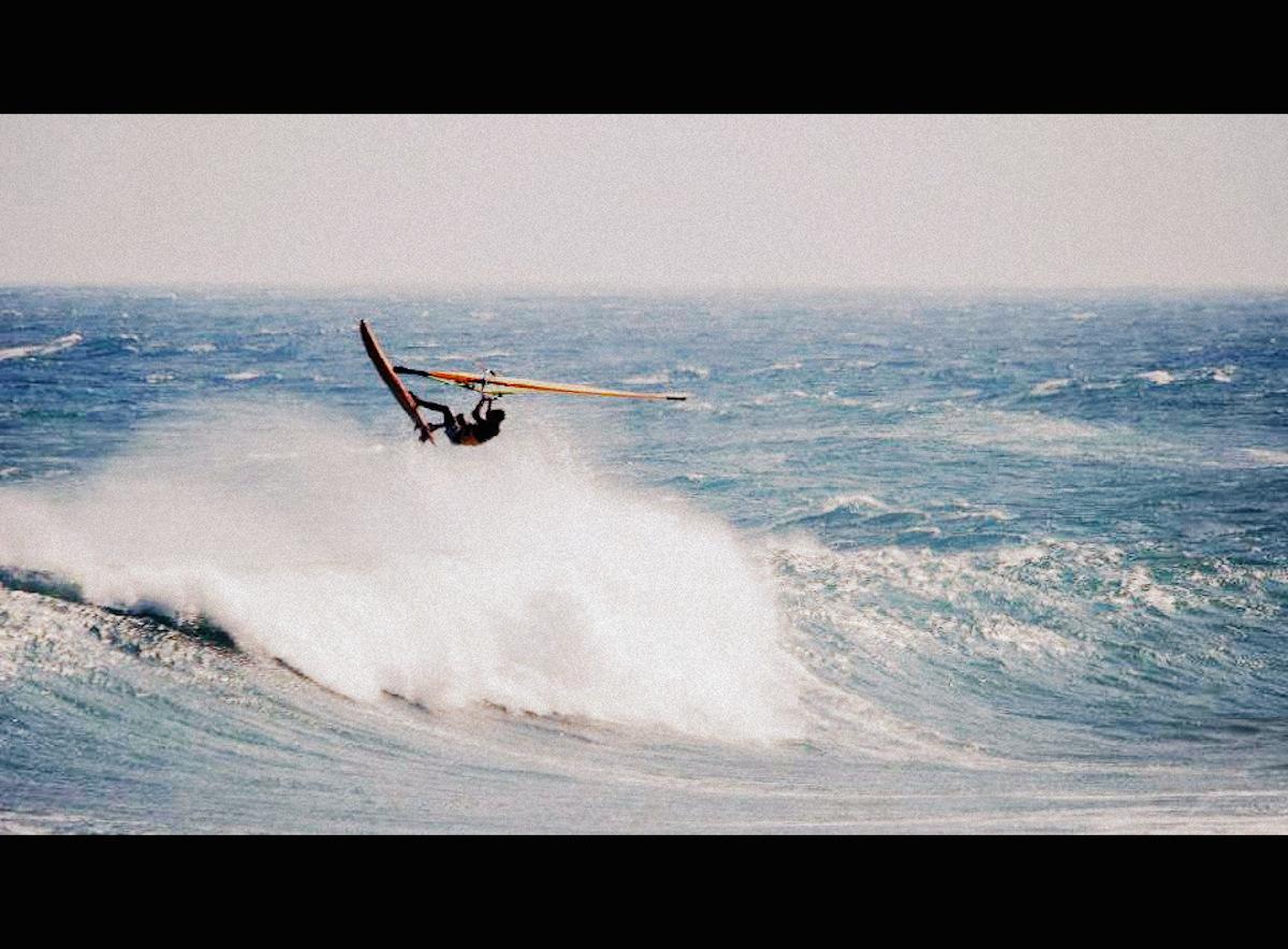 windsurfing-Taiwan-Taitung-Jinzun-Point-jump