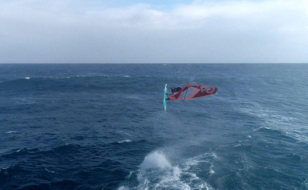 Sessions - Anemoi Windsurfing Dulan Taiwan with WaGaLiGong Dulan Surf/SUP House & Bar 哇軋力共都蘭衝浪:立槳:酒吧 Taiwan Taitung Dulan